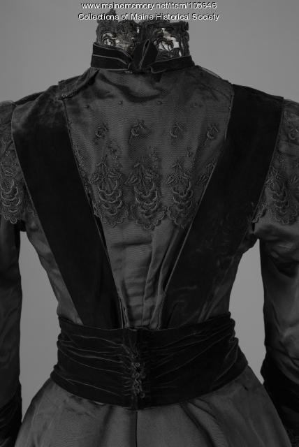 Adela Adams' silk faille ensamble, Portland, ca.1900