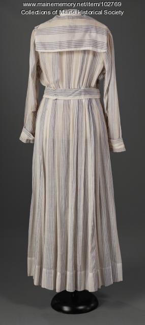 American dye-crisis dress, Portland, ca. 1917