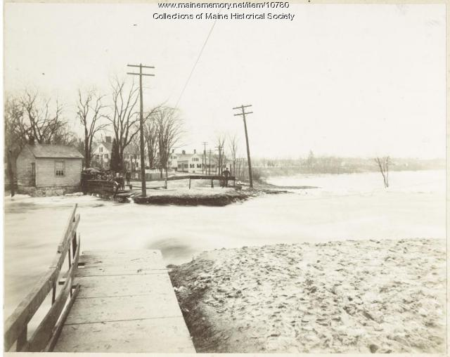 Flood in Brunswick, ca. 1900