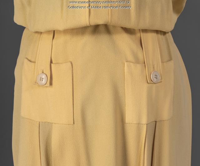 Margaret Payson's square shouldered dress, Portland, ca. 1943