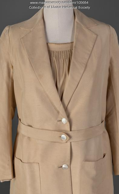 Two-piece ecru suit, ca. 1925