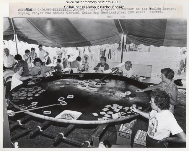 World's largest frying pan, Pittsfield, 1980