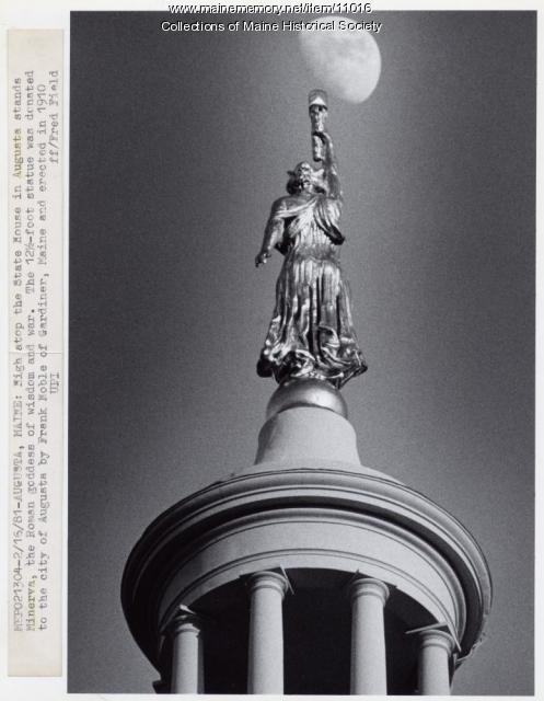 Minerva atop the Statehouse, Augusta, 1981