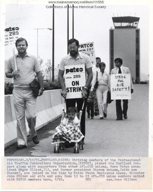 Air traffic controllers on strike, Portland, 1981