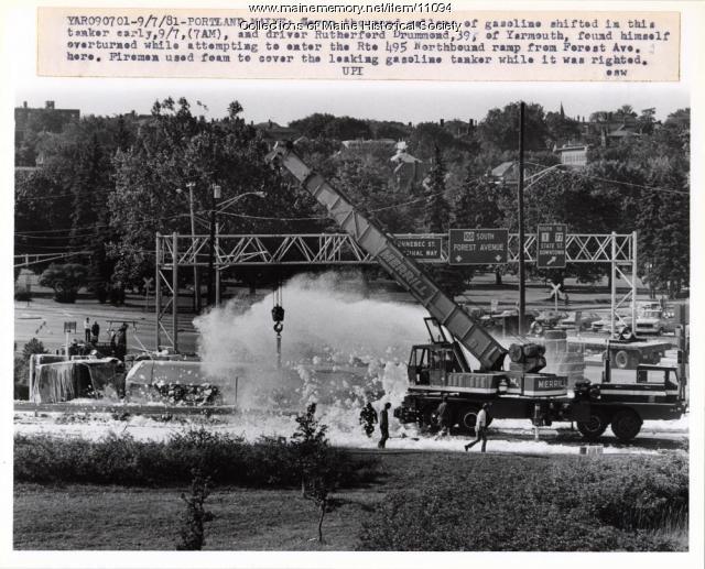 Overturned tanker, Portland, 1981