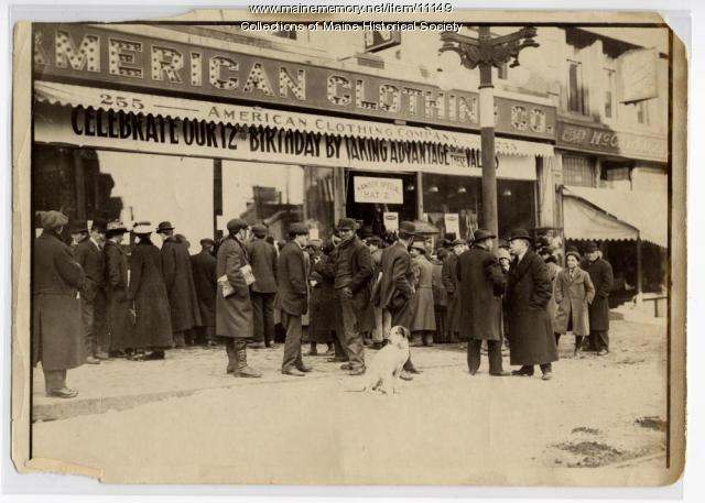 Crowd at American Clothing Co., Portland, ca. 1914