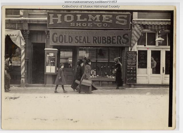 Holmes Shoe Store, Portland, ca. 1912