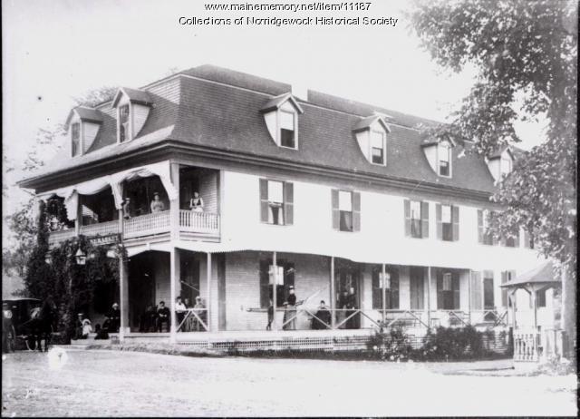 Quinnebasset Hotel in Norridgewock