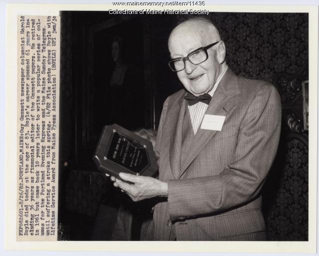 Newspaper columnist Harold Boyle, 1982