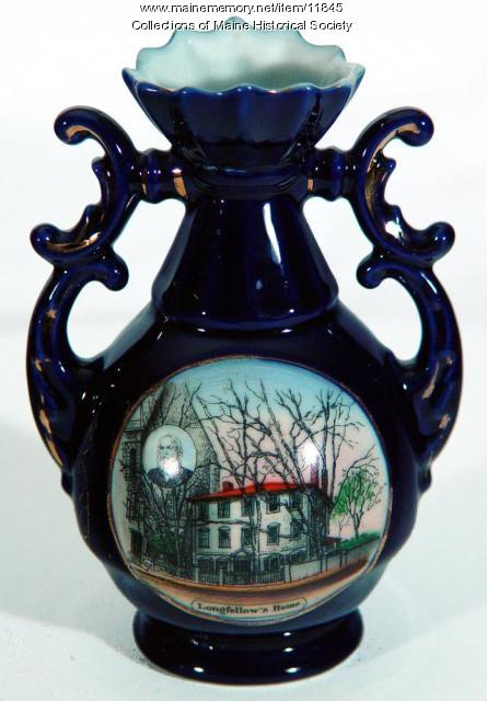 Wadsworth-Longfellow House souvenir vase, ca. 1925