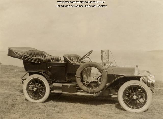 The Knox automobile, Casco Bay, Maine, c. 1909