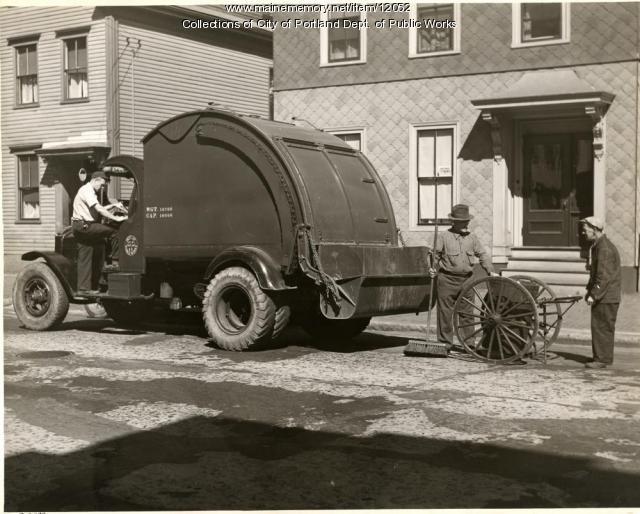 Trash pickup, Cumberland Avenue, Portland, 1936