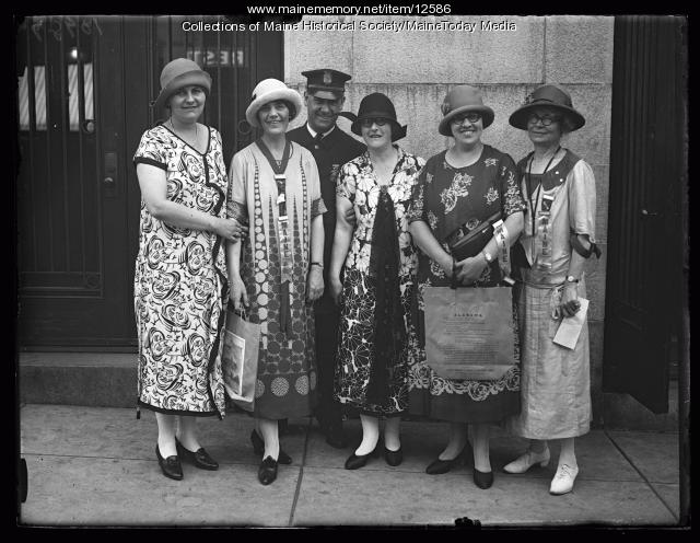 Alabama business women, Portland, 1925