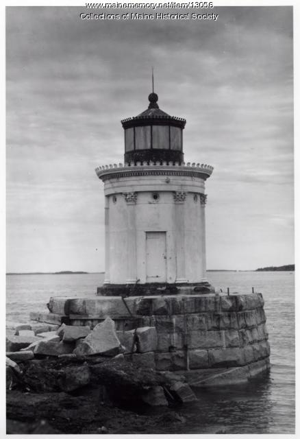 Portland Breakwater Lighthouse, 1962
