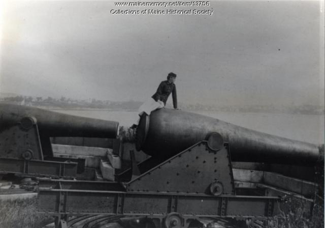 Cannon at Fort Scammel, ca. 1940