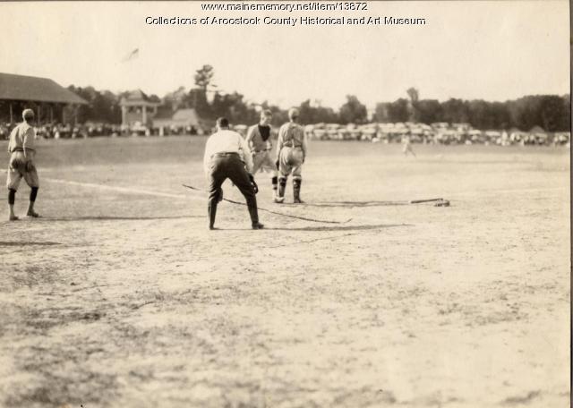 Tingley Makes Easy Score, Portland v. Houlton, baseball, ca. 1945
