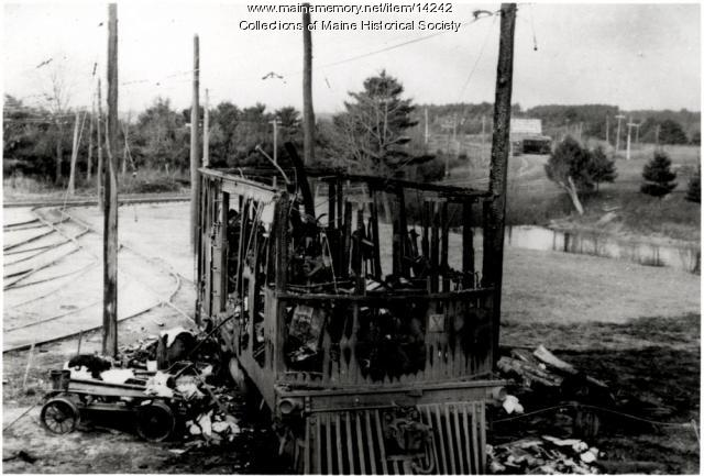 Burned trolley car, South Berwick, 1908