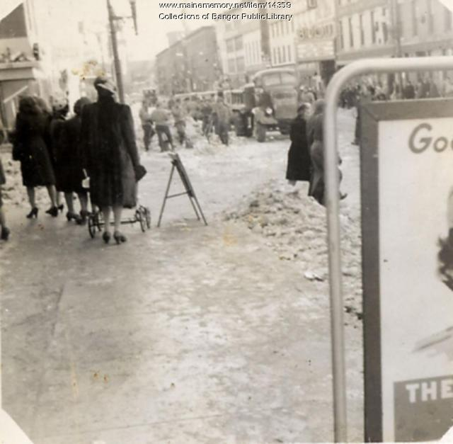 Sending the Boys to War, Bangor, 1942