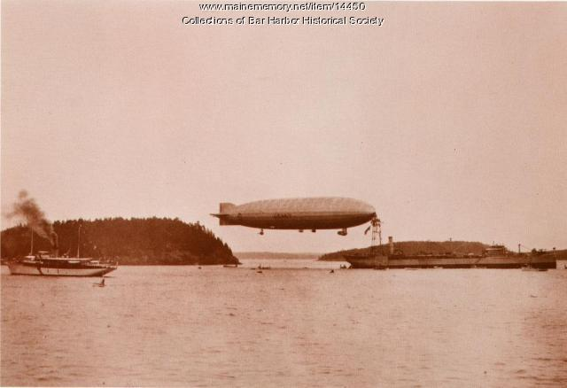 Dirigible Shenandoah and the Yacht Lyndonia