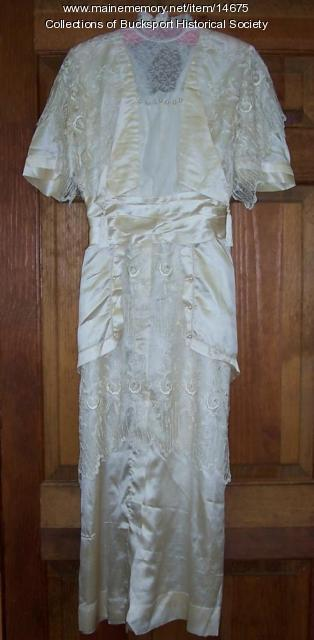 Wedding dress, Orland, 1915