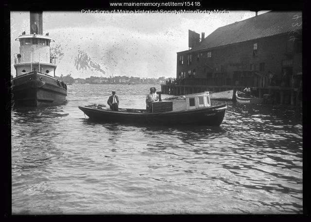 Evening Express motorboat, Portland, 1922