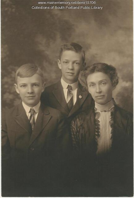 Amy Kaler and sons, ca. 1915
