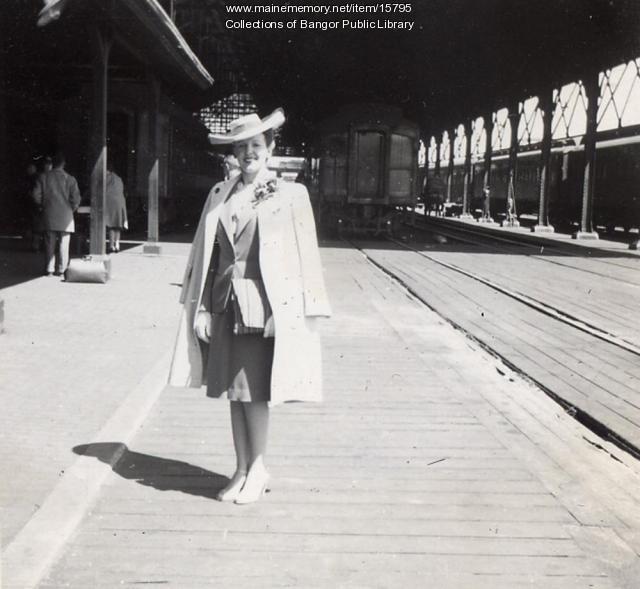 Louise Surrette, Union Railroad Station, Bangor, 1943