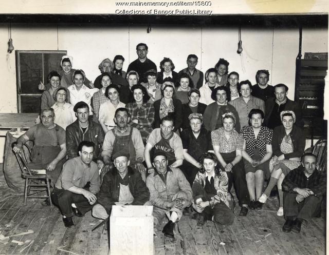 Viner's Shoe employees, Bangor, 1943