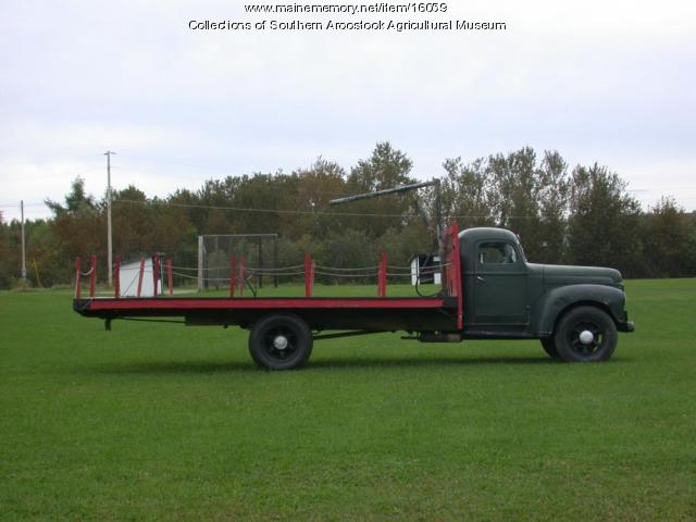 International Truck with Barrel Grapple, Littleton, 1945