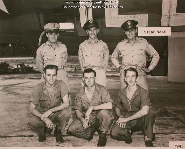1st Lt. Stephen Naas and his crew, 1943