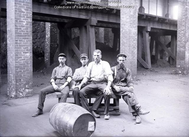 Sanford Mills Employees, ca 1905