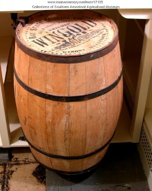 Wingold flour barrel, ca. 1950
