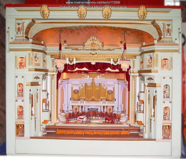Miniature theater