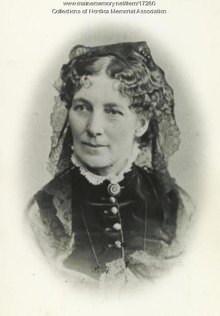 Amanda Allen Norton of Farmington