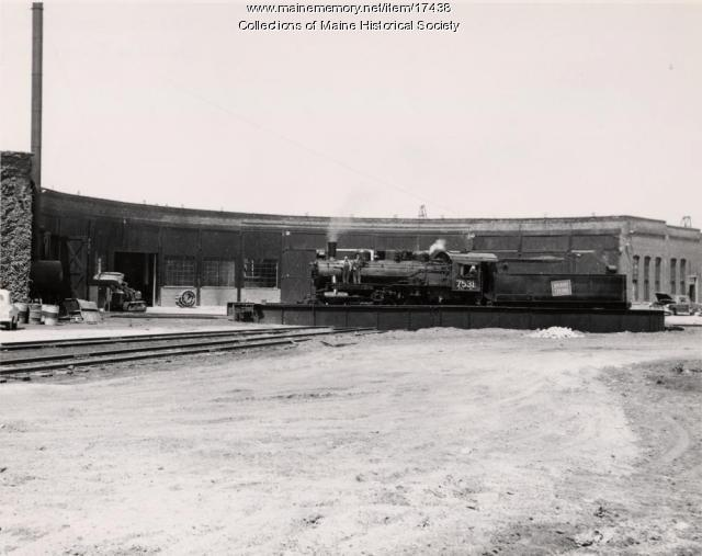 Grand Trunk Railroad turntable, Portland, 1956 - Maine