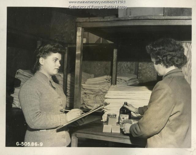 WAC Supply Clerks, Dow Field, Bangor, 1945