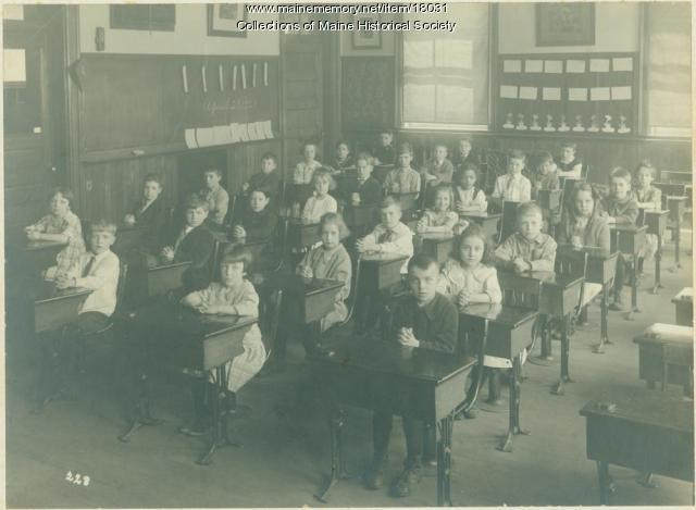Rosa E. True School students, Portland, 1921