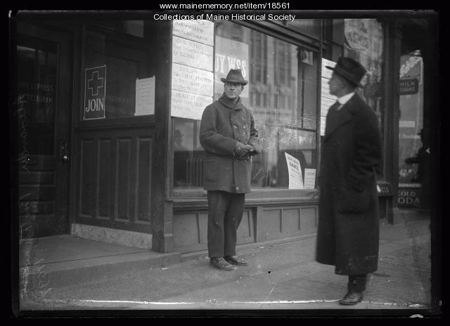 News office storefront, Portland, ca. 1918
