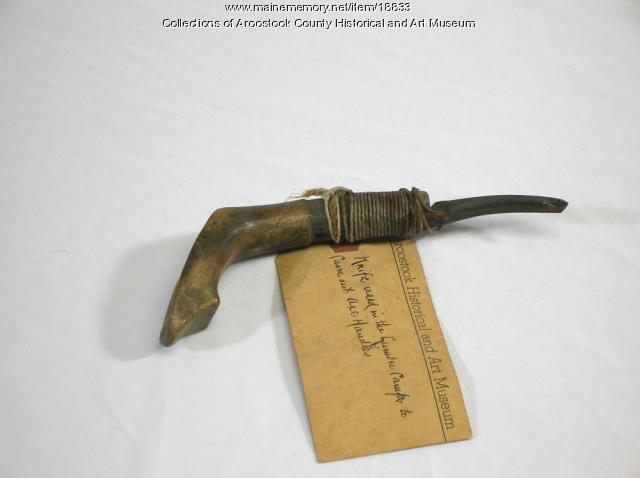 Crooked knife, Houlton, ca. 1900