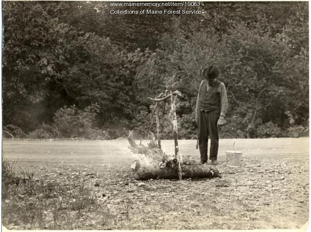 Roadside campfire demonstration, ca. 1930