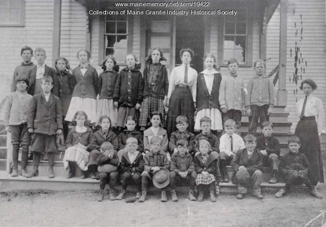 Hall Quarry Schoolhouse and Children