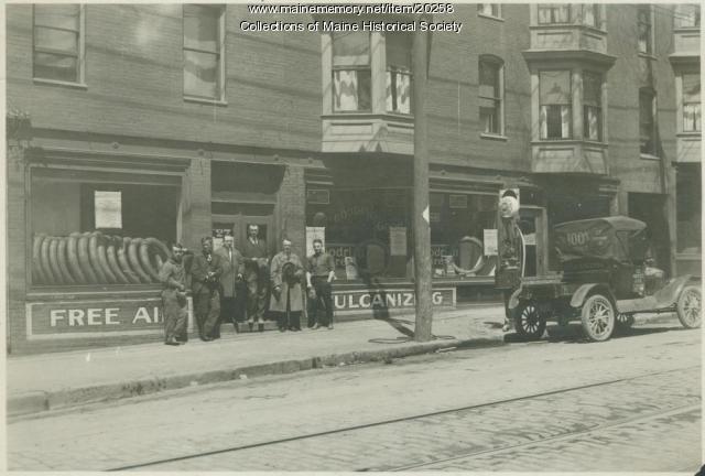 C. E. Noyes Tire Co., Portland, ca. 1920
