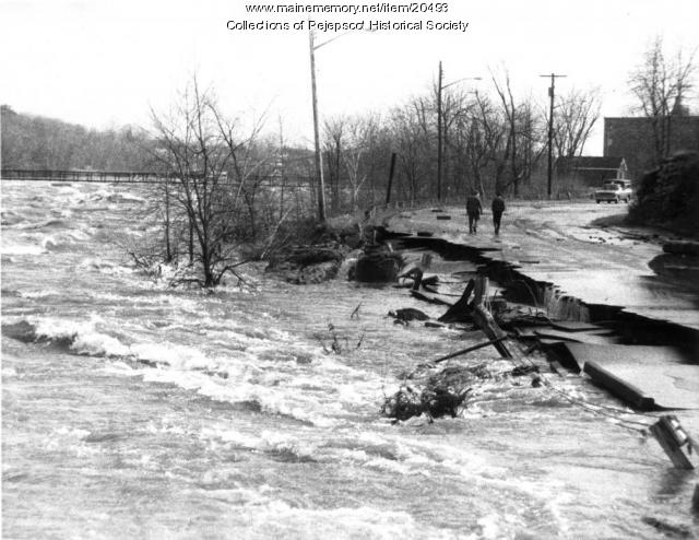 Mill Street damage during the 1987 flood