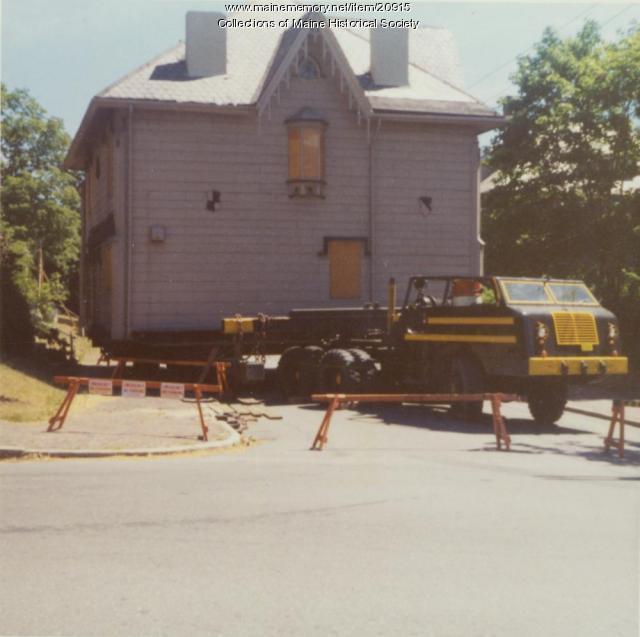 House moving, Portland, 1971
