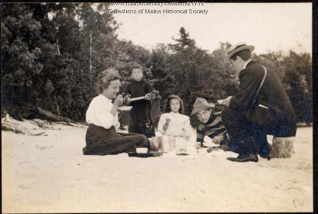 Harry Miles Freeman and Schatzel family, Otisfield, 1908