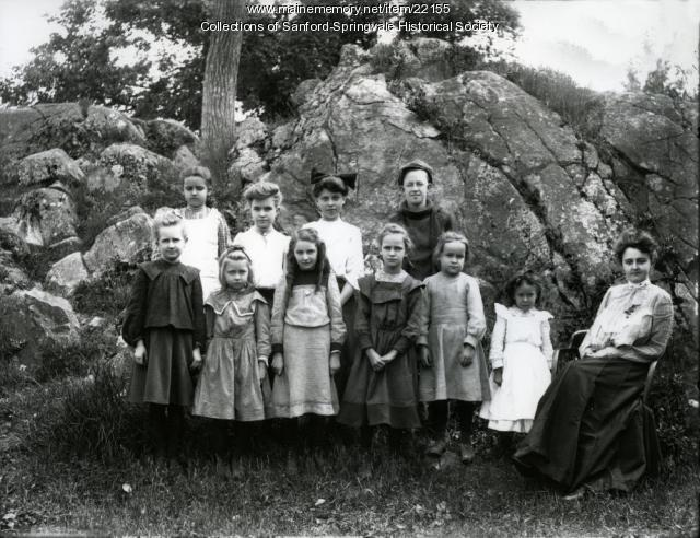 Old Edison School pupils, Springvale, ca. 1905