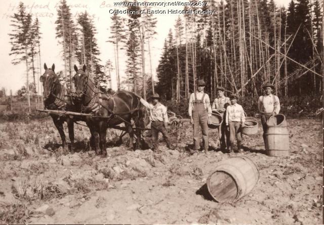 Hanford Larsen farm, Easton, ca. 1910
