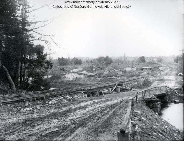 Building the new dam above Old Falls, Sanford, 1906
