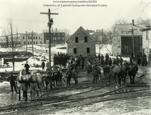 House Moving on Bridge Street, Springvale, ca. 1906