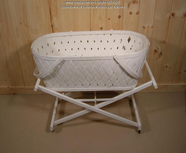 Bassinet, Mapleton, ca. 1920